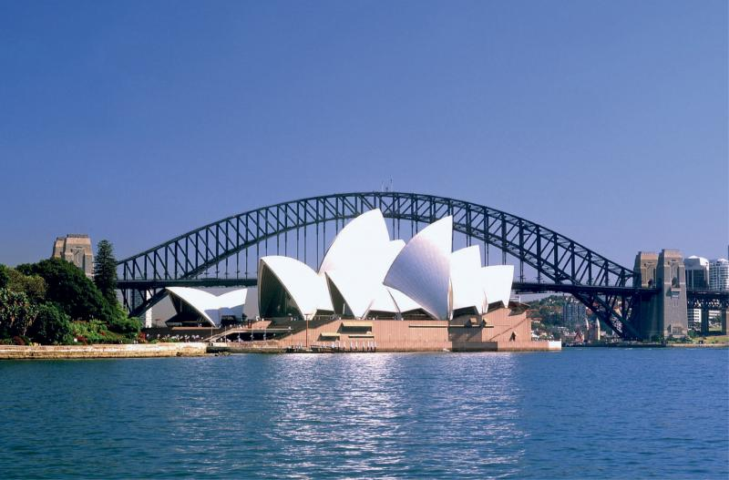 Homer Simpson Pays a Visit to the Sydney Opera House